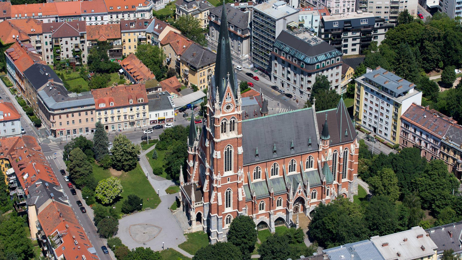 Herz-Jesu-Kirche (c) Graz Tourismus - Harry Schiffer (1)